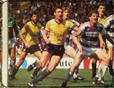 Oxford Utd 3 QPR 0 in May 1986 at Wembley. QPR have to defend a corner in the League Cup Final. Oxford United, Bristol Rovers, Best Memories, Finals, How To Memorize Things, The Unit, Football, Running, Milk Cup