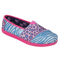 Kids can head back to school in style! Lil Bobs by SKECHERS are super comfortable and come in lots of sparkly and fun designs for girls!