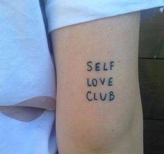 Frances Cannon et le Self Love Club : le nouveau groupe que vous voudrez joindre dès que possible - TPL