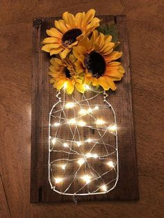 Sunflower fairy light stitch art – Diy Baby Deco – rustic home diy Sunflower Room, Sunflower Bathroom, Sunflower Home Decor, Sunflower Gifts, Sunflower Decorations, Sunflower Themed Kitchen, Sunflower Design, Diy And Crafts, Arts And Crafts