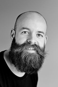 Would you like to grow facial hair? All things considered, that an awesome thought. Along these lines, deciding to develop your facial hair can be the best time in the event that you need. Long Beard Styles, Short Hair Styles, New Beard Look, Barba Grande, Growing Facial Hair, Hair Growing, Natural Beard Oil, Natural Hair, Grow Hair