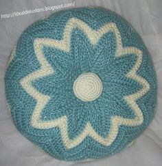 Free Crochet Retro Round Ripple Pillow Pattern
