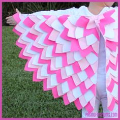 DIY Bird Wings! Easy step by step tutorial on how to make these stunning wings. Perfect for hours and hours of pretend play.