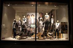 HM windows at Regent Street London. #retail #windowdisplays #visualmerchandising