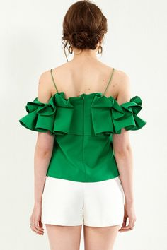 Swans Style is the top online fashion store for women. Casual Fashion Trends, Indian Fashion Trends, Latest Fashion Trends, Kids Dress Patterns, Blouse Patterns, Fashion And Beauty Tips, Passion For Fashion, Fall Outfits, Fashion Outfits