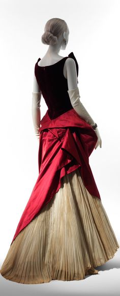 Technology Brings the Designs of Charles James to Life - NYTimes.com ht