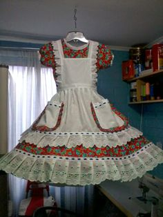 Little Girl Dresses, Dance Dresses, Dance Costumes, Looking For Women, Beautiful Dresses, Ruffles, Apron, Vintage Outfits, Skirts