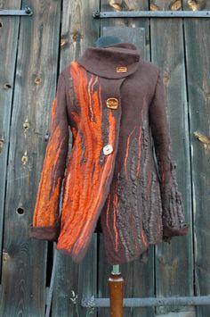 hand-felted jacket....by https://www.facebook.com/Przystanek-R%C4%98KODZIE%C5%82O-Diana-Sencerek-426750357392476/?ref=hl
