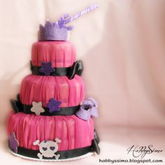 Torta di pannolini per la Principessa Rock Serena - Diaper cake rock punk dark - HobbysSimo