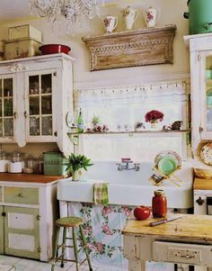 farmhouse kitchen  I LOVE this!!