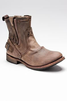 Rugged looking boot. Pure Originality.