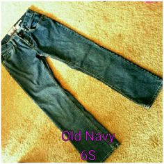 """Old Navy Jeans Ultra Low Waist Ultra low waist, stretch, boot cut Old Navy jeans.  Very good condition, except for a loose belt loop (shown in last photo). Size 6 short, stretch. Rise 8.25"""",  waist 14.5"""", 29"""" inseam. Old Navy Jeans Boot Cut"""