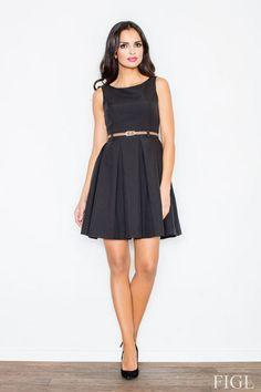 Rozkloszowana czarna sukienka na wesele