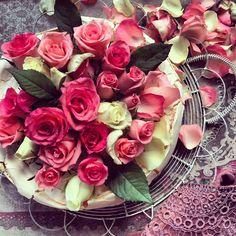 rose meringue