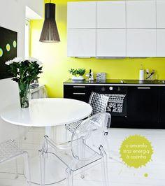 Ainda quero um toque de amarelo aqui em casa! Acho moderno.