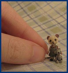 Miniature Mouse by CDHM Artisan Aleah Klay of Aleah Klay Studio, www.cdhm.org/user/aleahklay_animals