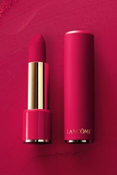 L'Absolu Rouge Drama Matte L'Absolu Drama Matte lipstick. Beautiful matte pigment, without the drying effect. For a limited time get a sleek color-matched mattified case when you purchase Obsessive Red, 388 Rose Lancôme & 507 Drama'Atic. Lip Gloss Colors, Lip Colors, Lancome Lipstick, Lipstick Brands, Batons Matte, Best Lipsticks, Matte Lipsticks, Lipstick Colors Matte, Pink Red Lipstick
