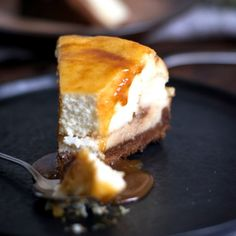 This apple, salted caramel, & goat cheese cheesecake is totally decadent!