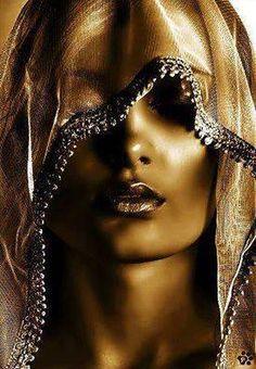 oro---➽ aurum➽χρυσός➽gold➽oro ➽gold➽金➽الذهب➽золото Dance Aesthetic, 80s Aesthetic, Or Noir, Golden Goddess, Shades Of Gold, Jolie Photo, Grey And Gold, Gold Gold, Black Gold