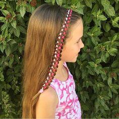 What a beautiful 7 strand ribbon braid headband braid!! Credit @sivanfried_braids 💗💕 @braidsandstyles12 has a tutorial for this technique, I'll share it on our FB page - link in bio.  #BraidsForLittleGirls
