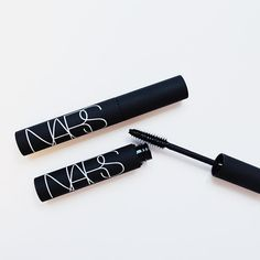 Lightweight + lengthening, this mascara is ideal for a clean look.
