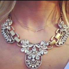 J crew crystal cluster necklace Gorgeous new j crew crystal statement necklace! J. Crew Jewelry Necklaces
