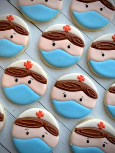 Perfect treat to thank our healthcare workers Galletas Cookies, Iced Cookies, Cut Out Cookies, Royal Icing Cookies, Cupcakes, Cupcake Cookies, Nurse Cookies, Cookie Pictures, Cookie House