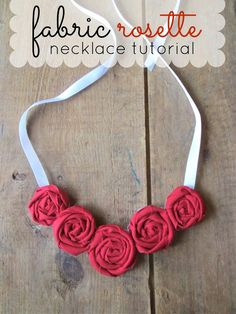 16 Beautiful DIY Ideas About Fabric Necklace - Fashion Diva Design Fabric Necklace, Fabric Jewelry, Diy Necklace, Rose Necklace, Diy Flowers, Fabric Flowers, Fabric Rosette, Jewelry Crafts, Handmade Jewelry