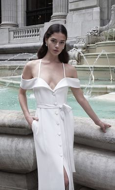 Courtesy of Alon livne wedding dresses; www.livne-white.com