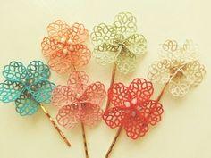 Tatting flower pins