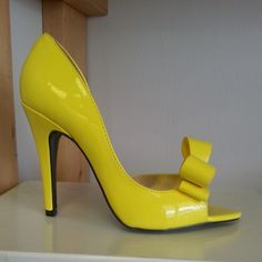 Yellow open-toe pump heels with multiple front bow decor #cutesyoriginals