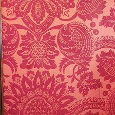 Loving the beautiful damask wallpaper inside the Apothecaries Hall. The oldest livery hall in London!