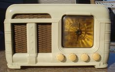 Vintage 1940's Ivory Fada Model 790 Table Radio for Repair | eBay