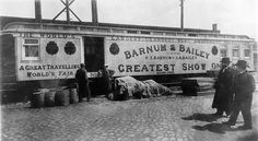A train car used for equipment on Barnum & Bailey's Circus. Circus Room, Old Circus, Circus Train, Circus Theme, Vintage Circus, Vintage Carnival, Circus Tents, Circus Cakes, Circus Birthday