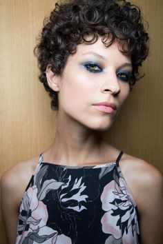 9606853f724 11 Best Curly hair images | Short curls, Curly hair, Curly hair styles