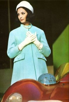 Pierre Balmain ~ - Head to Toe Fashion Art 60 Fashion, Fashion Images, Colorful Fashion, Retro Fashion, Fashion Models, Vintage Fashion, Womens Fashion, Sixties Fashion, Fashion History