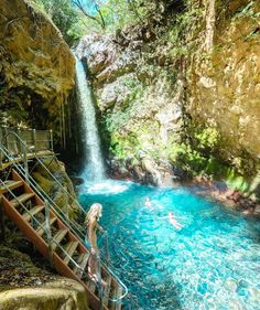 "Gefällt 4,788 Mal, 39 Kommentare - L*Space by Monica Wise (@lspaceswim) auf Instagram: ""Stairway to Heaven 💙@erubes1 #LetsGo #SwimmingHideaways #WhatsYourL"""