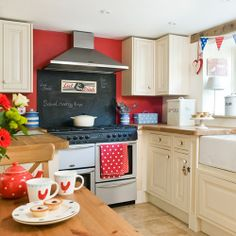 red and white kitchens ideas | Red White Country Kitchen Ideas Red White Kitchen Ideas