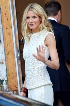 Gwyneth Paltrow.. . kadının cv sini söyliyorum... Brad Pitt ve Ben Affleck... başkada bişey demiyorum..!