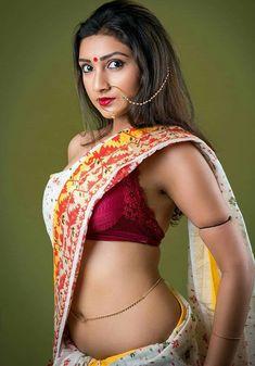 Beautiful Saree, Beautiful Indian Actress, Beautiful Women, Indian Photoshoot, Indian Colours, Saree Navel, Saree Models, Indian Beauty Saree, India Beauty