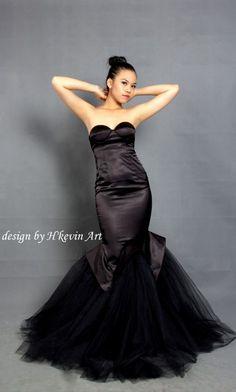 Fishtail Sexy Dress được kết cấu ôm sát cơ thể, tôn số đo 3 vòng,cúp ngực hoàn hảo tôn vòng 1, phần đuôi nhấn nhá bởi voal lưới xếp volume tạo cảm giác phồng như chiếc đuôi của loài cá.