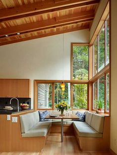 Dining Nook; design looks comfortable