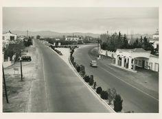 Carretera de La Coruña sentido salida. Desdoblamiento a la altura de Las Rozas. 1950s Foto Madrid, Nostalgia, The Past, Outdoor, White People, Black, Roads, Outdoors, Outdoor Living