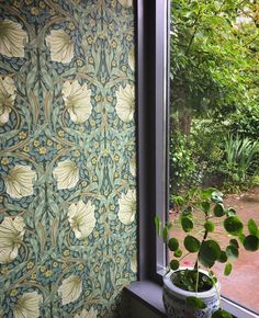 The home of bold & beautiful wallpaper in Australia. Painting Wallpaper, Home Wallpaper, Fabric Wallpaper, Pattern Wallpaper, Kitchen Pantry Wallpaper, Morris Tapet, Tiled Hallway, Morris Wallpapers, Arts And Crafts House