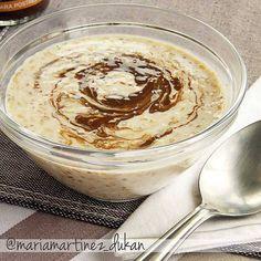 Dieta Dukan, desayunos: Gachas de salvado de avena hechas en frío ( Overnight Oats ) VERSIÓN SIN LÁCTEOS: mezcla en un recipiente con tapa 1 vaso (250 mililitros) de leche vegetal de avena, soja, almendra o coco sin azúcar con 2 cucharadas de salvado de avena, 1 cucharada sopera de semillas de lino o chía, 1 cucharada de proteína de huevo en polvo + una pizca de vainilla en polvo.