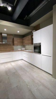 Kitchen Room Design, Kitchen Cabinet Design, Modern Kitchen Design, Home Decor Kitchen, Interior Design Kitchen, Kitchen Cabinets, Dark Cabinets, Kitchen Ideas, Kitchen Knobs