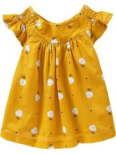 Old Navy Smocked Flutter Sleeve Tops For Baby Fashion Kids, Little Girl Fashion, Little Girl Dresses, Girls Dresses, Outfits Niños, Baby Outfits, Cute Outfits For Kids, Kid Styles, My Baby Girl