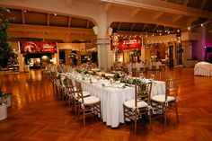 Beautiful captains table for the bridal party seating at Henry Ford Museum