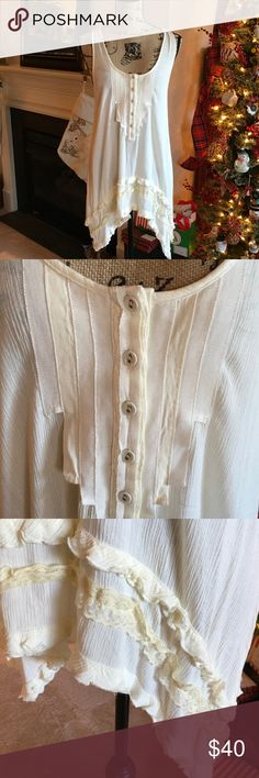 Free People Tunic NWOT Cream Tunic with ribbon, lace and ruffle details. Simply Beautiful, Fashion Tips, Fashion Design, Fashion Trends, Free People Tops, Tunics, White Shorts, What To Wear, Ribbon