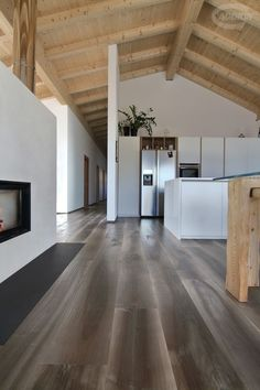 Bark Old Noghera wood flooring, hand planed. Parquet Vecchia Noghera Corteccia, piallata a mano innenarchitektur modern Home Interior Design, Interior Architecture, Stone Houses, House In The Woods, Building A House, House Plans, New Homes, House Design, House Styles
